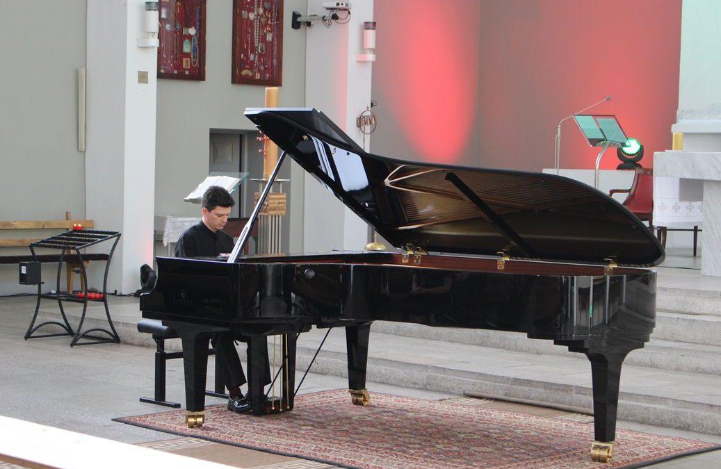 """I Międzynarodowy Festiwal Muzyki Sakralnej """"Mistrzowie Modlitwy Muzyką"""""""