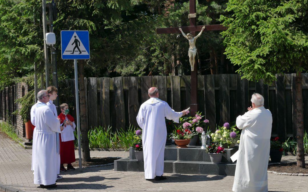 Poświęcenie krzyża na Borkach