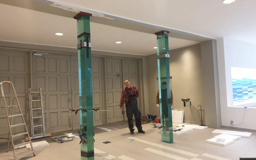 Początek prac przy szklanej bramie w naszym kościele