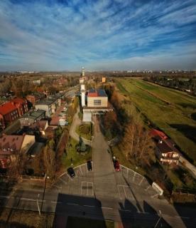 Jesienne widoki okolicy kościoła